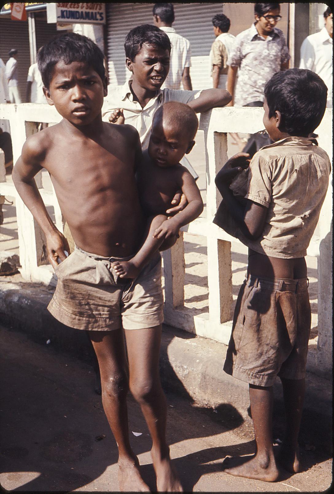 india1975-10