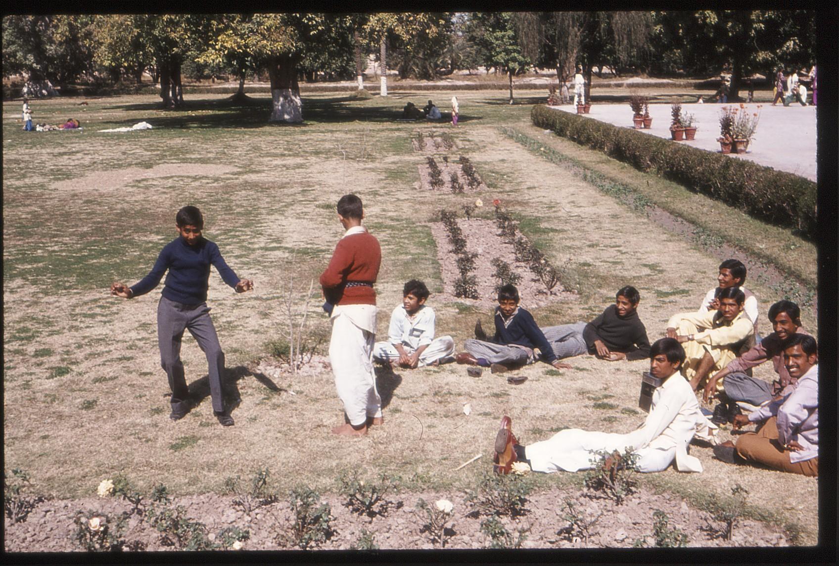 pakistan1975-5